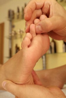 Foot Reflexology Is Simple And Easy Massage For Relaxation!