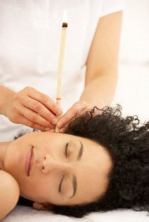 Ear Candling: Clearing The Ear With The Help Of Candles!