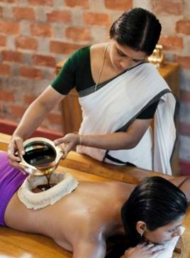 Ayurvedi Oil Massage