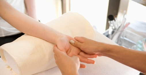Hand Massage Techniques Benefits